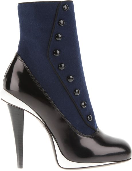 Fendi Boots in Blue Flannel and Black Patent Leather in Blue