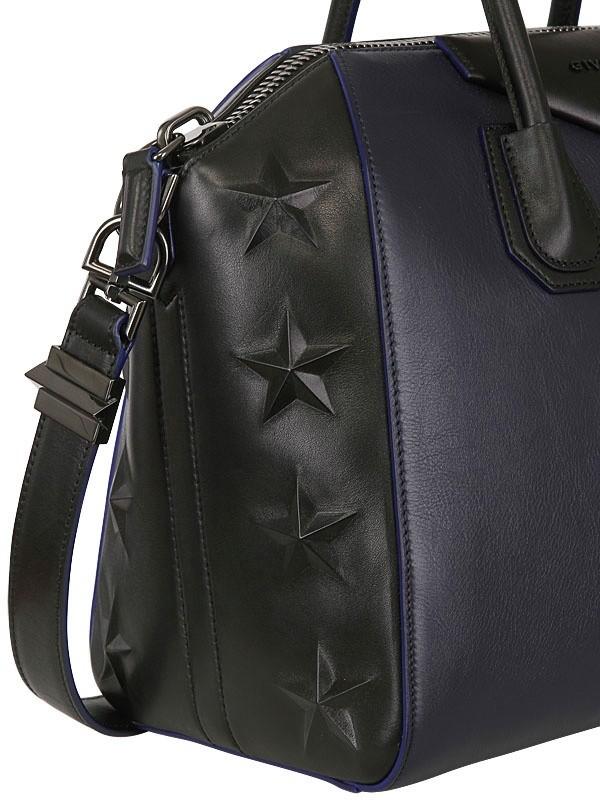 a458c4e3fa0d Gallery. Previously sold at  LUISA VIA ROMA · Women s Givenchy Antigona  Women s Givenchy Star ...