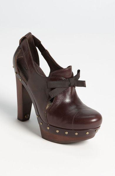 ugg pump boots
