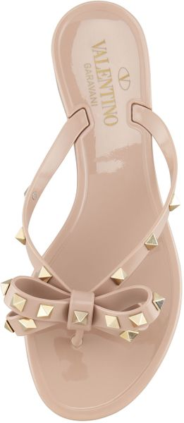 Valentino Rockstud Pvc Thong Sandal Poudr In Beige Poudre