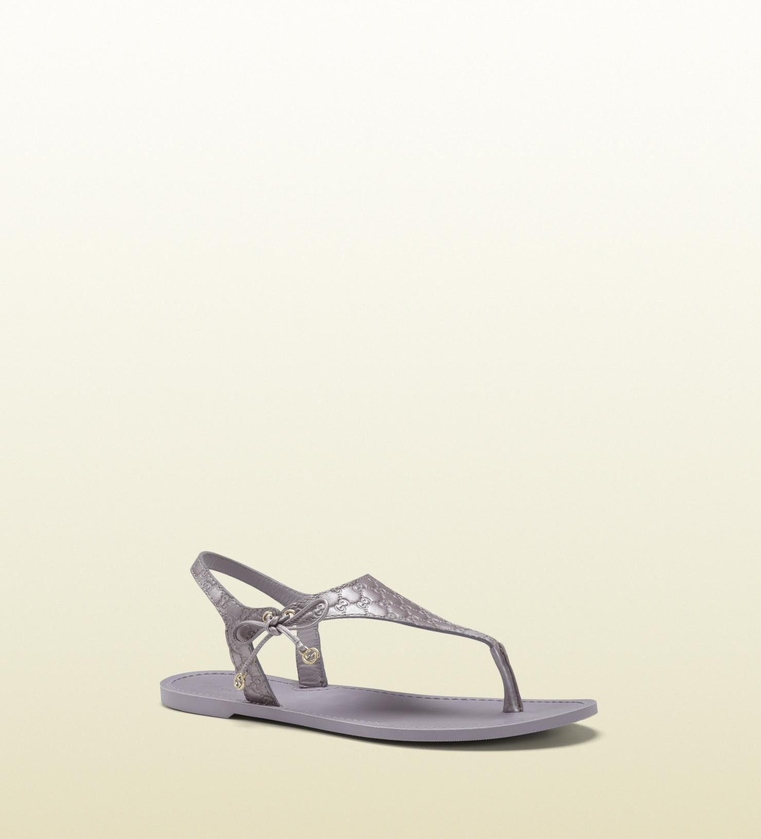 3c119ac80680 Lyst - Gucci Katina Lilac Metallic Leather Thong Sandal in Purple
