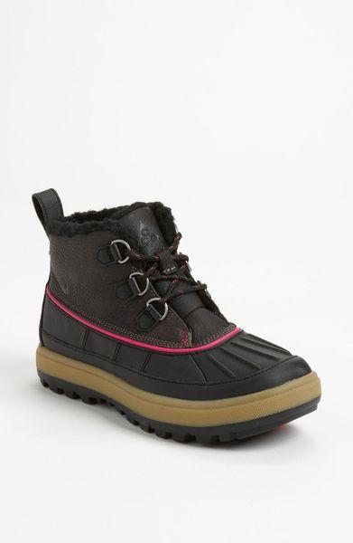 nike woodside 2 chukka boot in black ridgerock ridgerock