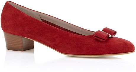 Ferragamo Vara Suede Pump in Red - Lyst