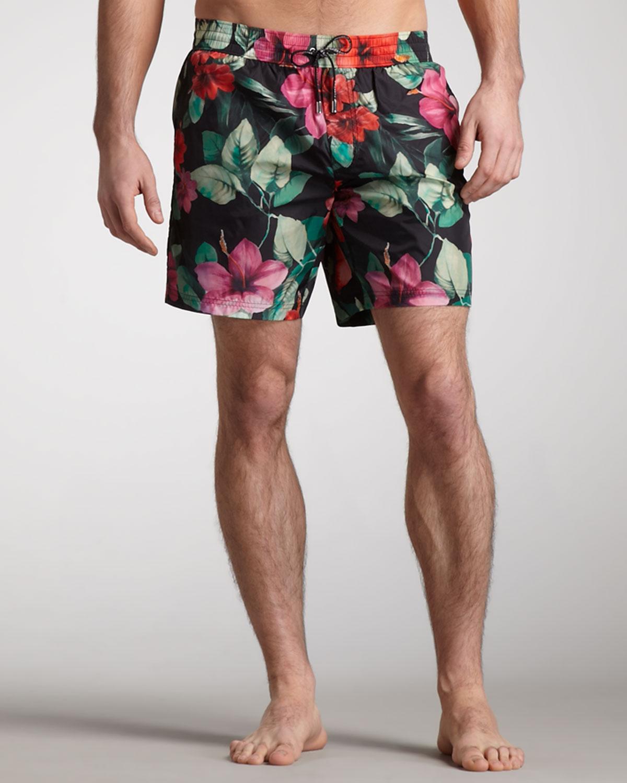 a3d6f936e8 Dolce & Gabbana Floral Print Swim Trunks in Black for Men - Lyst