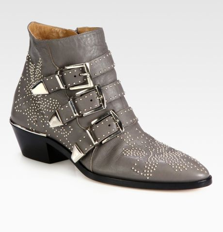 Chloé Studded Leather Buckle Ankle Boots in Gray (grey)