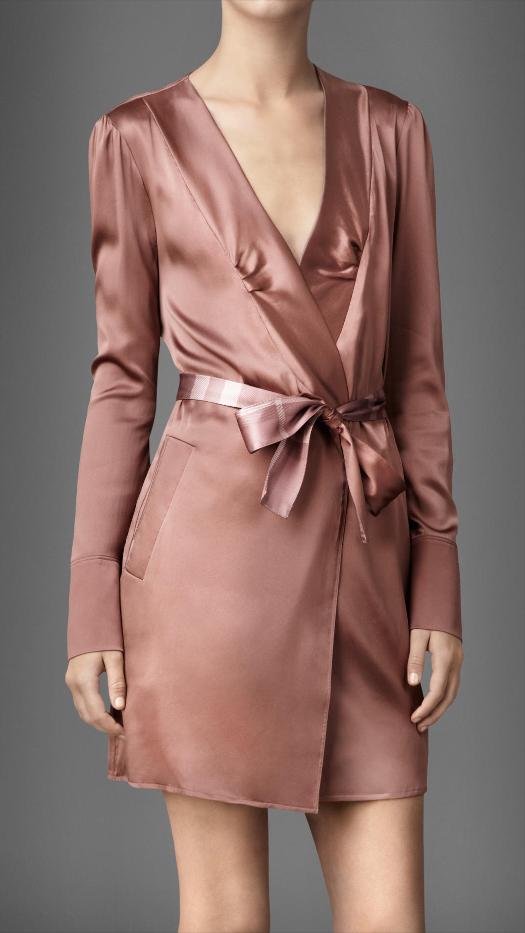 Burberry Stretch Silk Dressing Gown in Pink - Lyst