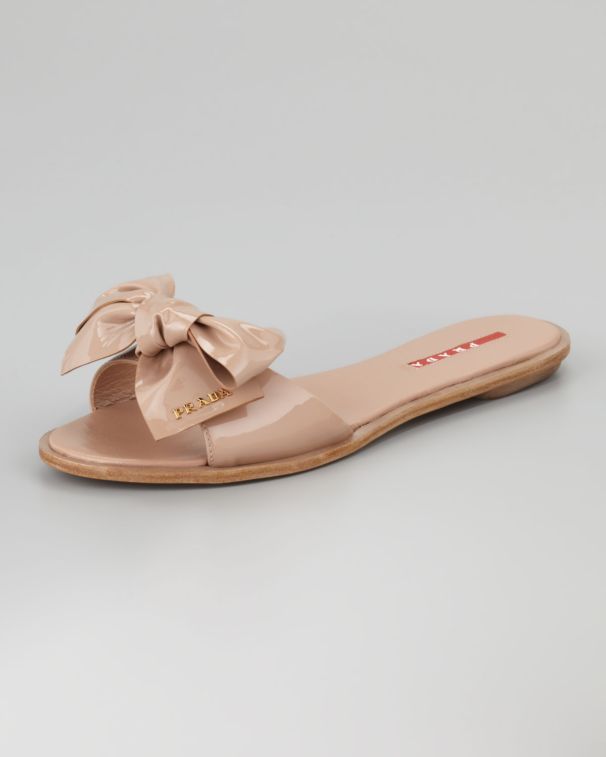 Prada Patent Leather Bow Slide Sandal in Beige (cipria) | Lyst