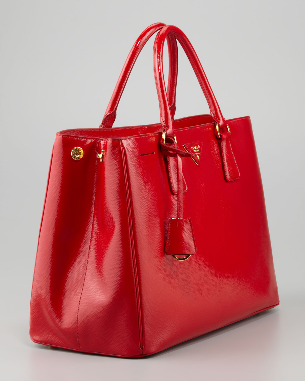 Prada Saffiano Vernice Gardeners Tote Bag Rosso in Red (rosso) | Lyst
