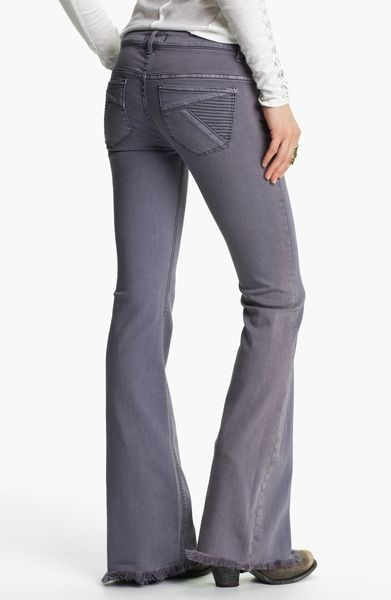 Shop online for mens relaxed jeans from Silver Jeans Co and Denim. Great fitting jeans in bootcut and straight cuts from your favorite brands. Free shipping on relaxed jeans .
