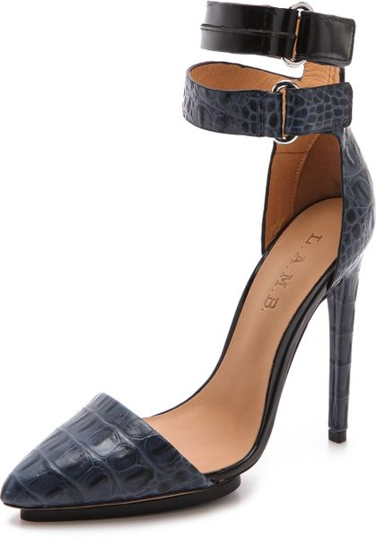 L.a.m.b. Oxley Pumps in Black (navy)