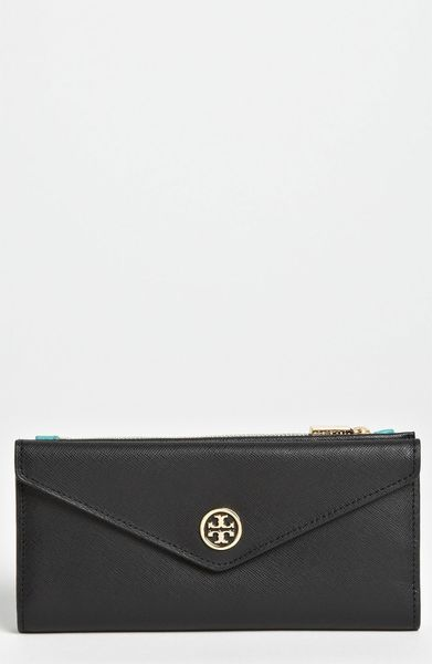 Tory Burch Robinson Envelope Wallet in Black (start of color list black) - Lyst