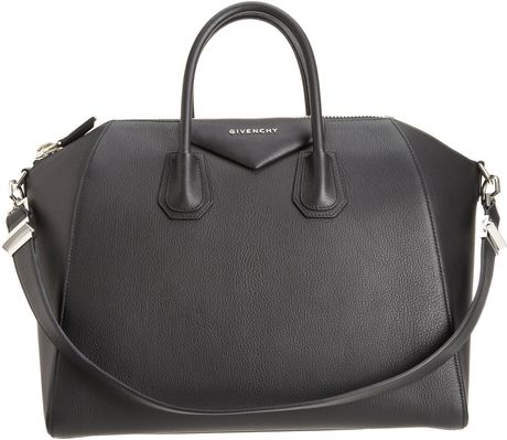 Givenchy Large Antigona Duffel in Black (silver)