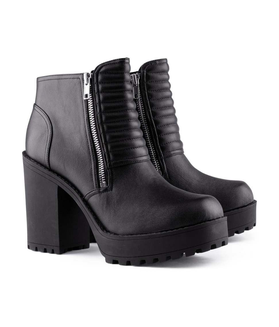 Innovative Hu0026m Ankle Boots In Black | Lyst