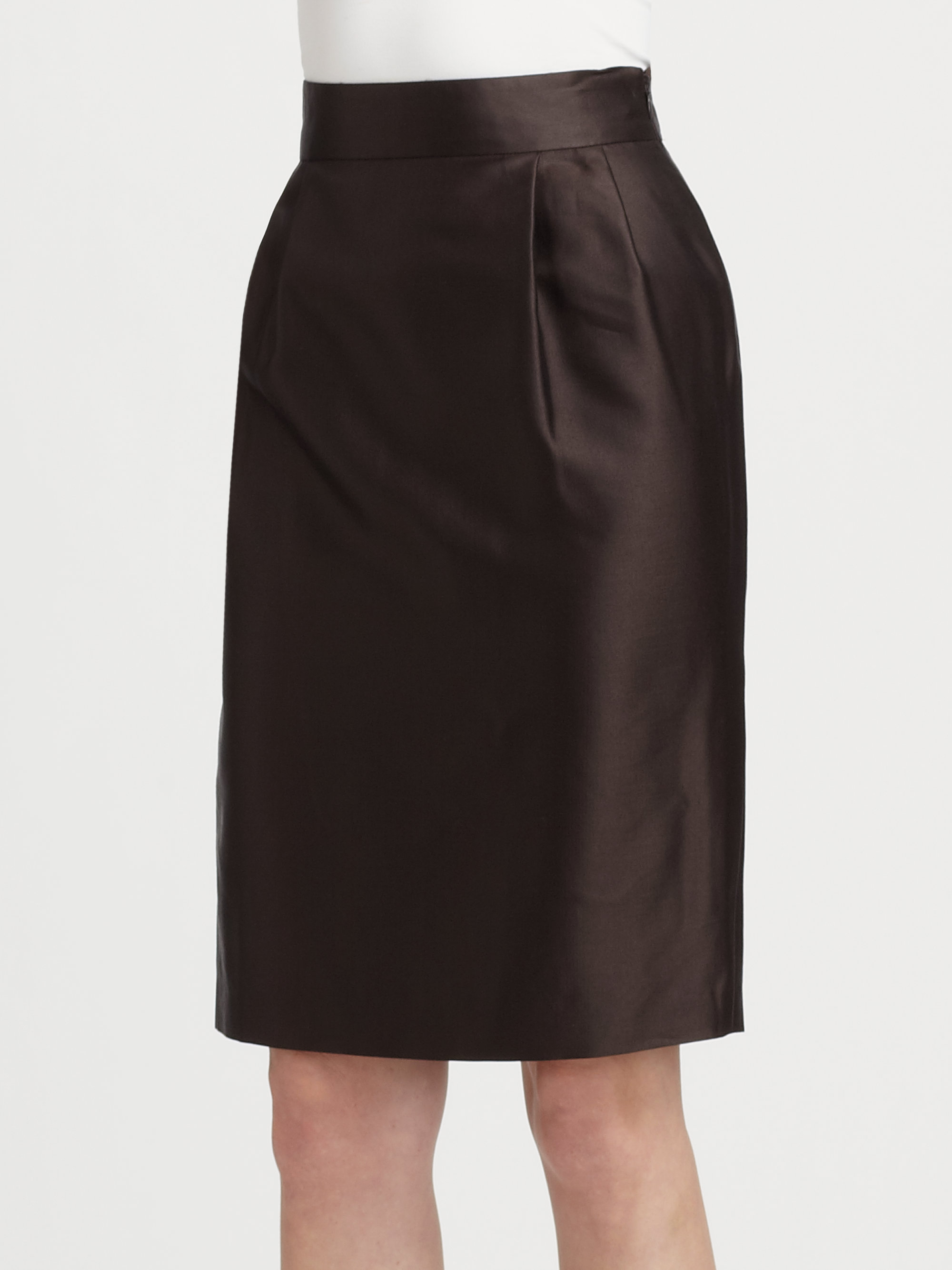 Shop dressbarn for the latest in pencil skirts. You'll discover on trend styles in a variety of patterns and prints that can be worn for any occasion. Add some extra flair to .