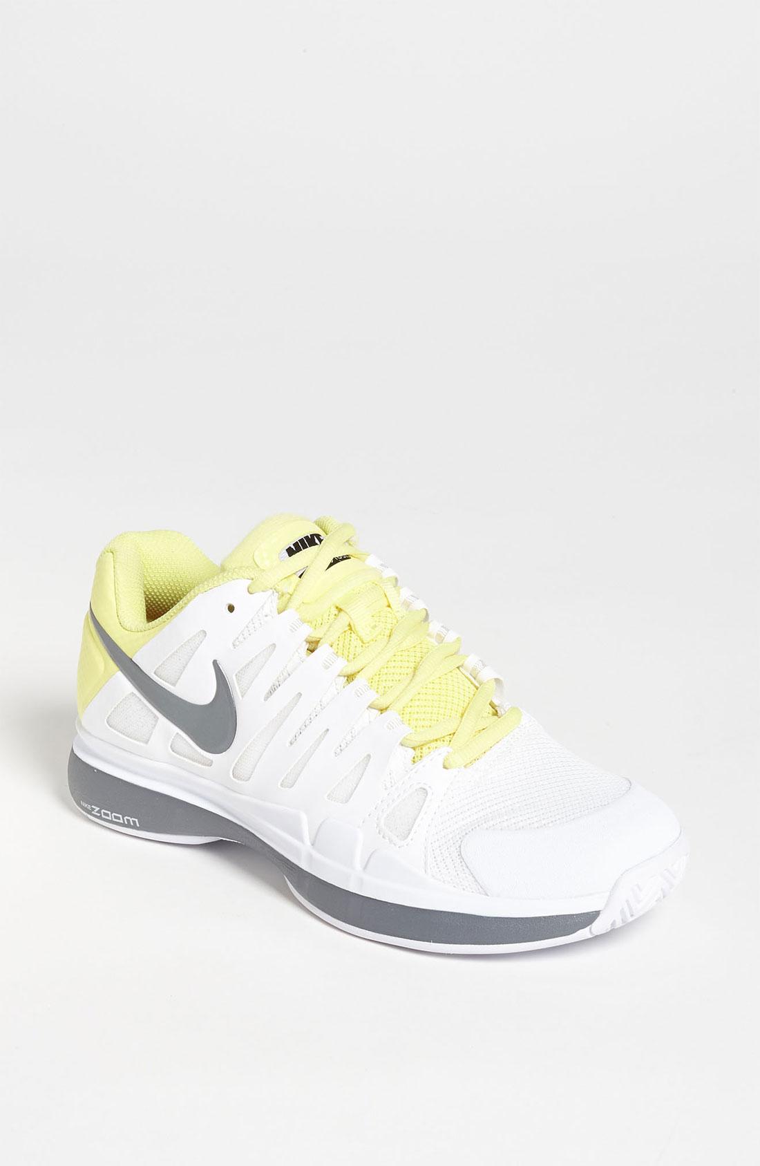 nike zoom vapor 9 tour tennis shoe in white grey