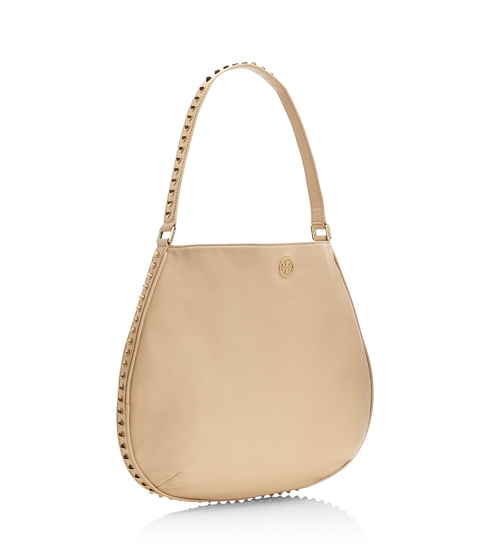 75e3e29a2af9 Lyst - Tory Burch Pyramid Stud Hobo in Natural
