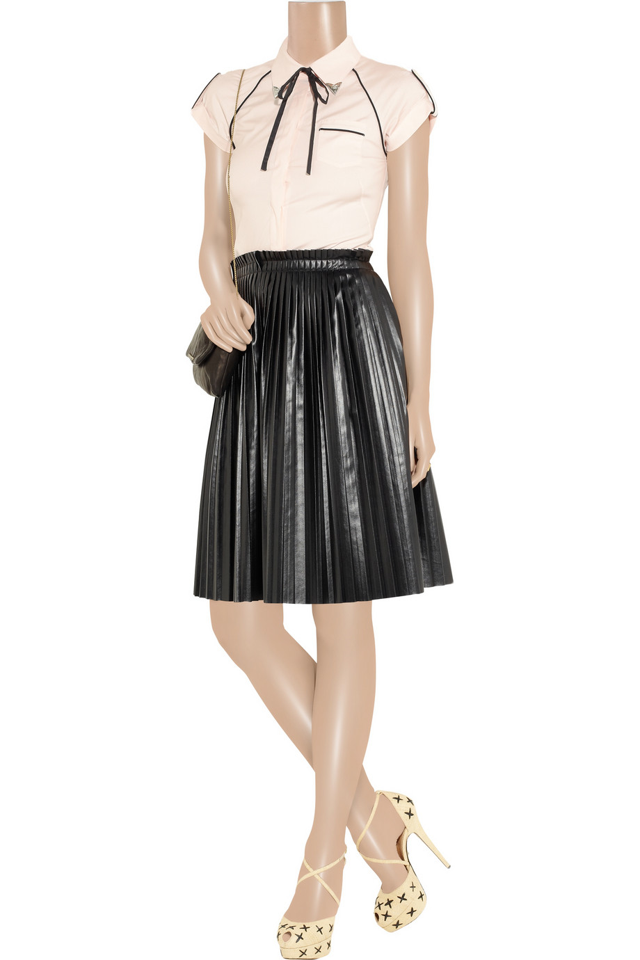 mcq mcqueen pleated leather mini skirt in black