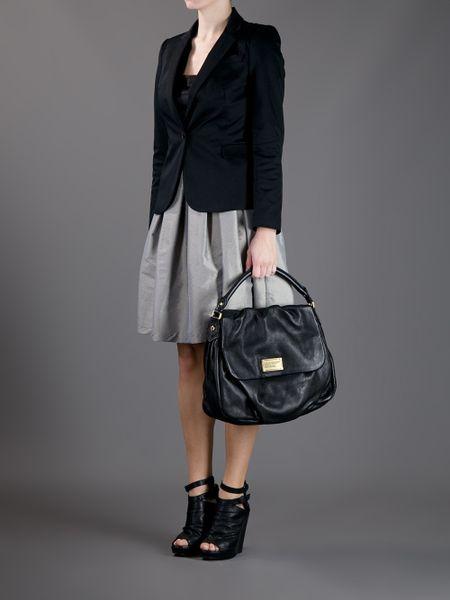 Classic Q Ukita Shoulder Bag Black 18