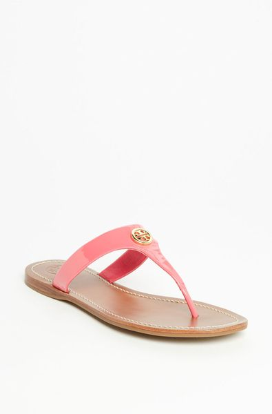 Tory Burch Thong Sandal in Pink (bougainville pink)