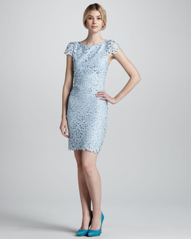 Alice   olivia Clover Eyelet Openback Lace Dress in Blue | Lyst