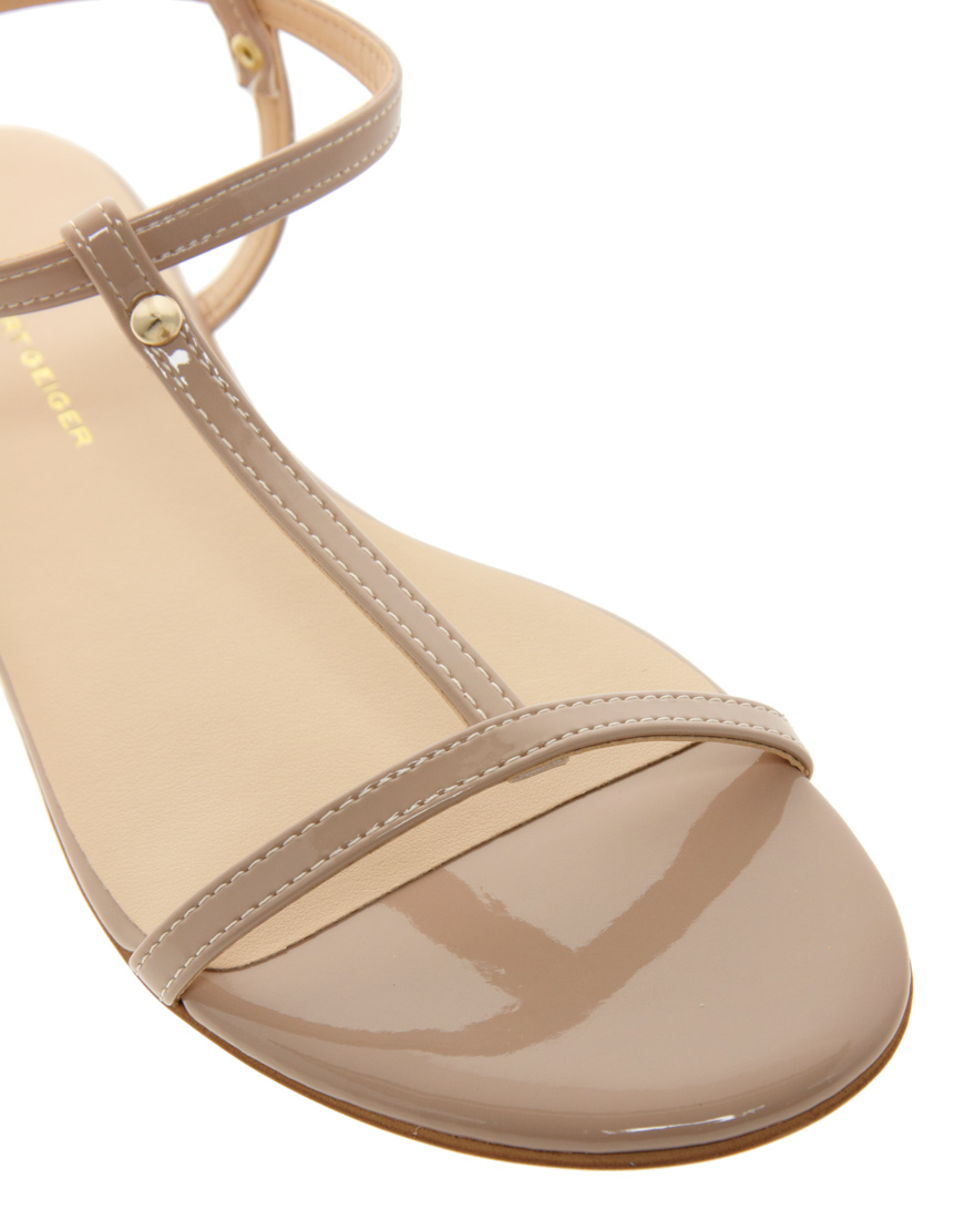 Miss Kg Riley Nude Flat Sandals in Natural - Lyst