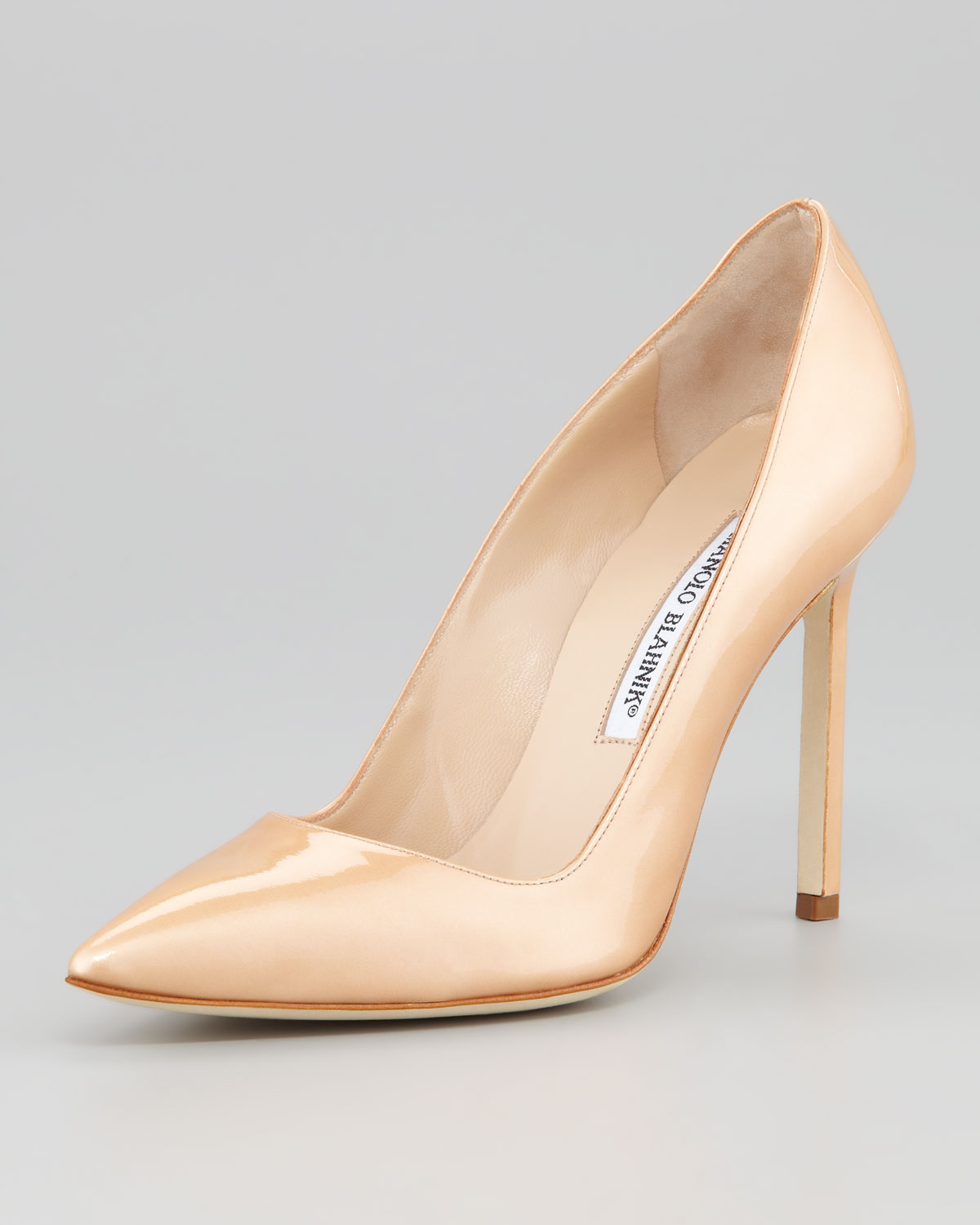 Manolo Blahnik Bb Pearly Patent Pump In Natural Lyst