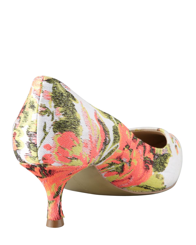 e8bc8f0af2c Lyst - Stella Mccartney Floral Jacquard Kittenheel Pump in Pink