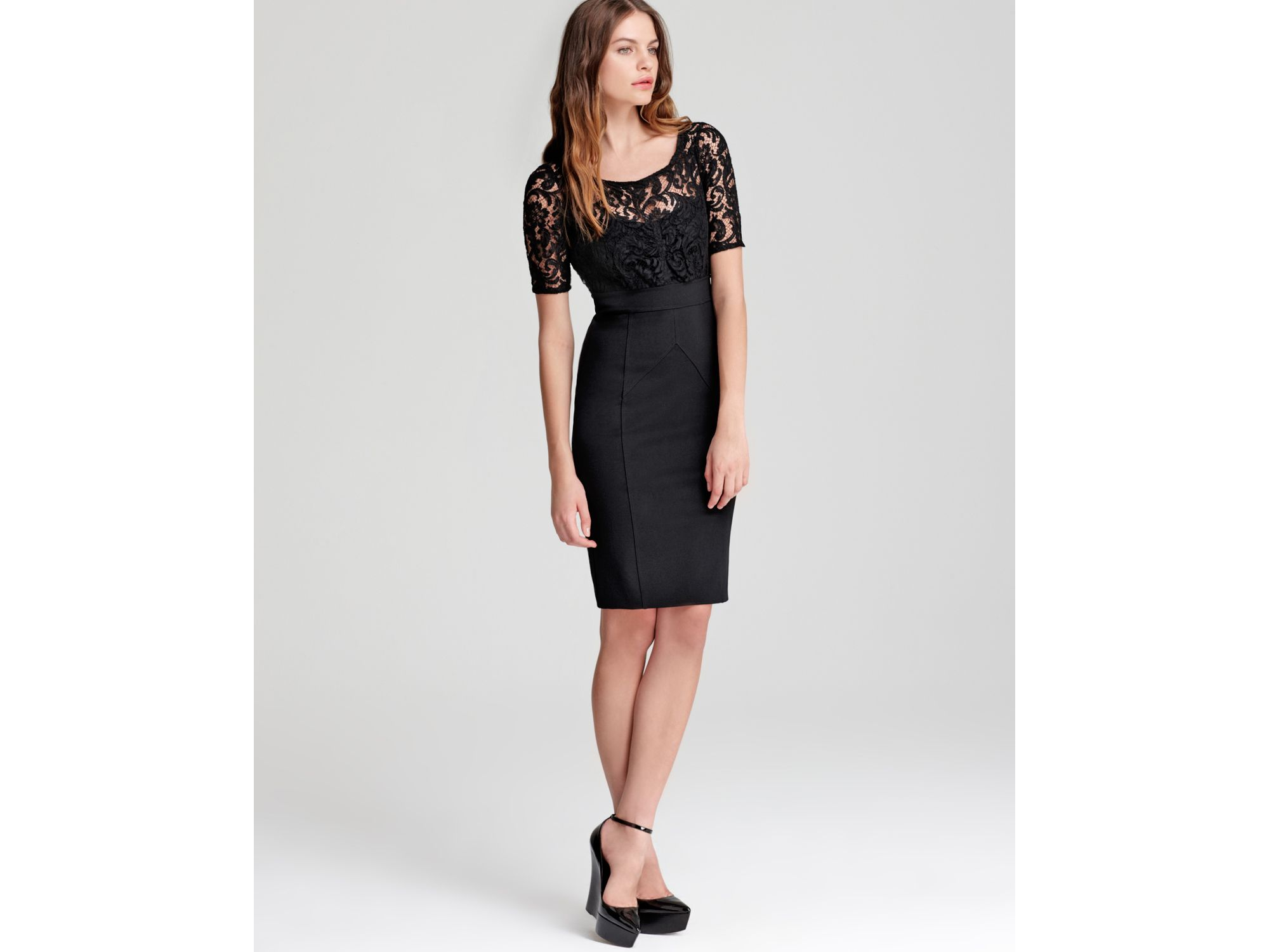 Burberry London Short Sleeve Dress Black Lace Top in Black | Lyst