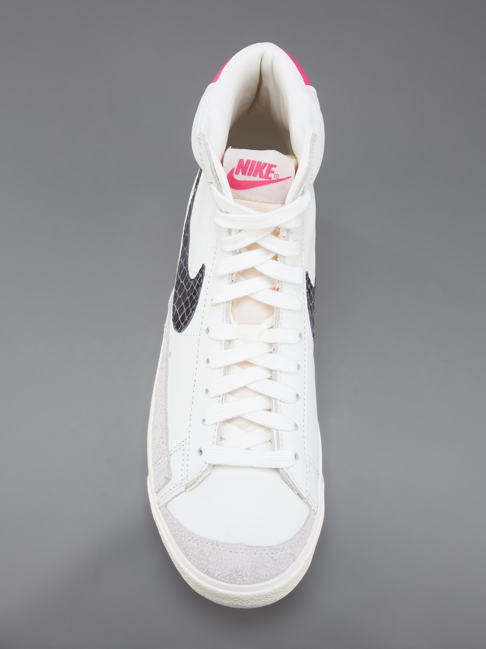Nike Blazer Mid 77 Hi Top Sneaker in White