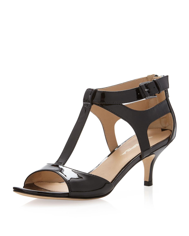 Via spiga Lindsie Patent Tstrap Kitten Heel Sandal in Black | Lyst