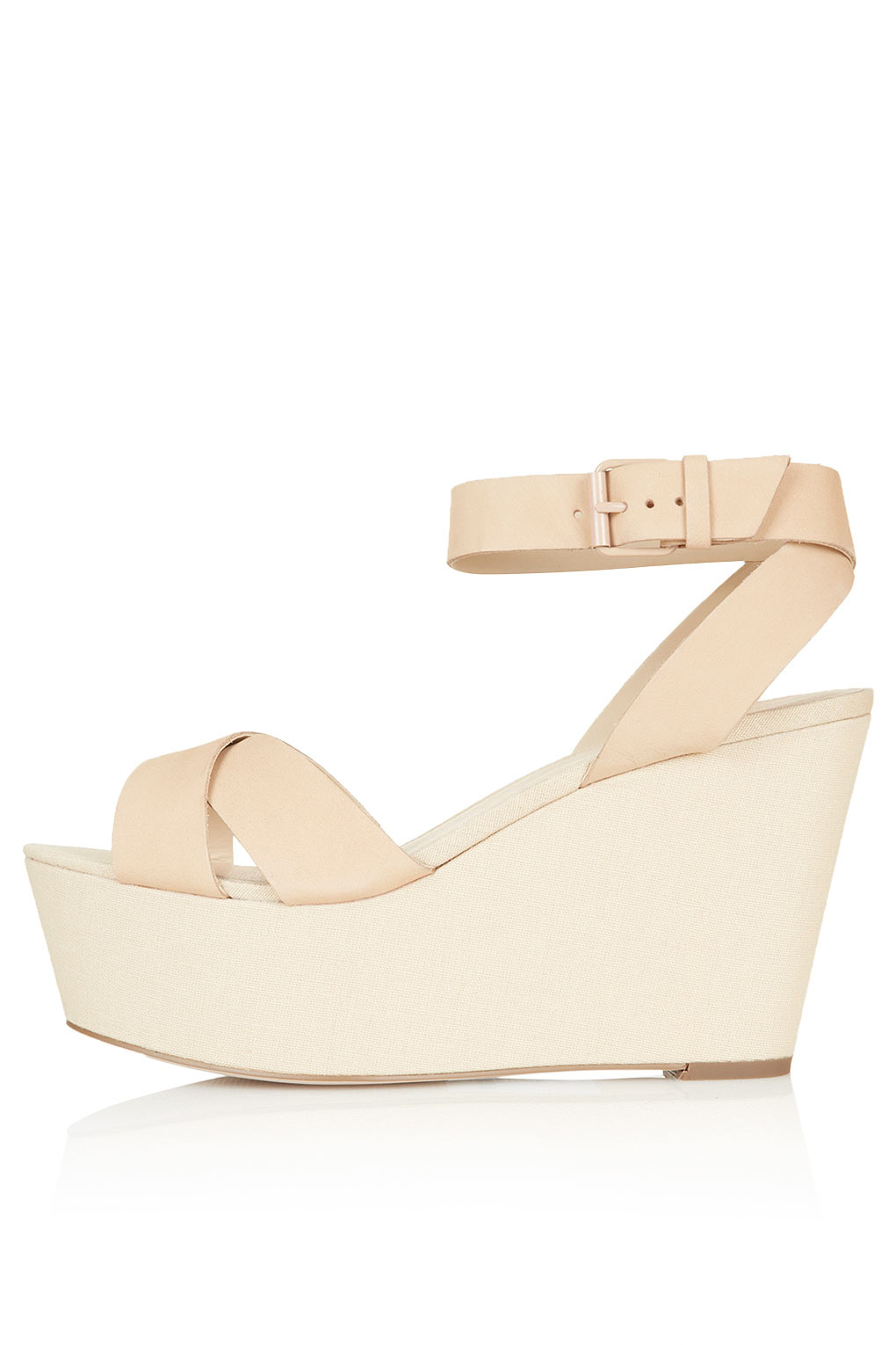 d673a76e529c Lyst - TOPSHOP Wreckage Crossover Flatforms in Natural