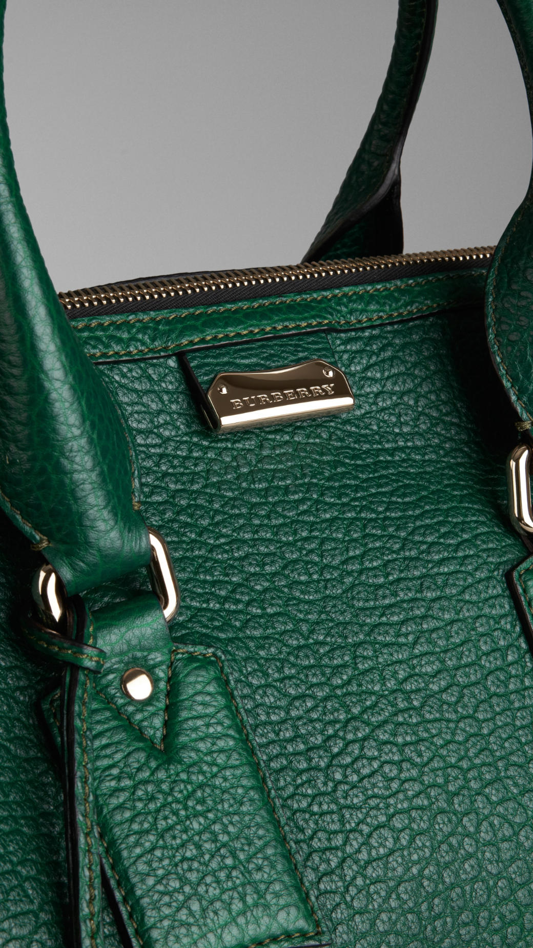 Lyst Burberry Large Heritage Grain Leather Tote Bag In Green