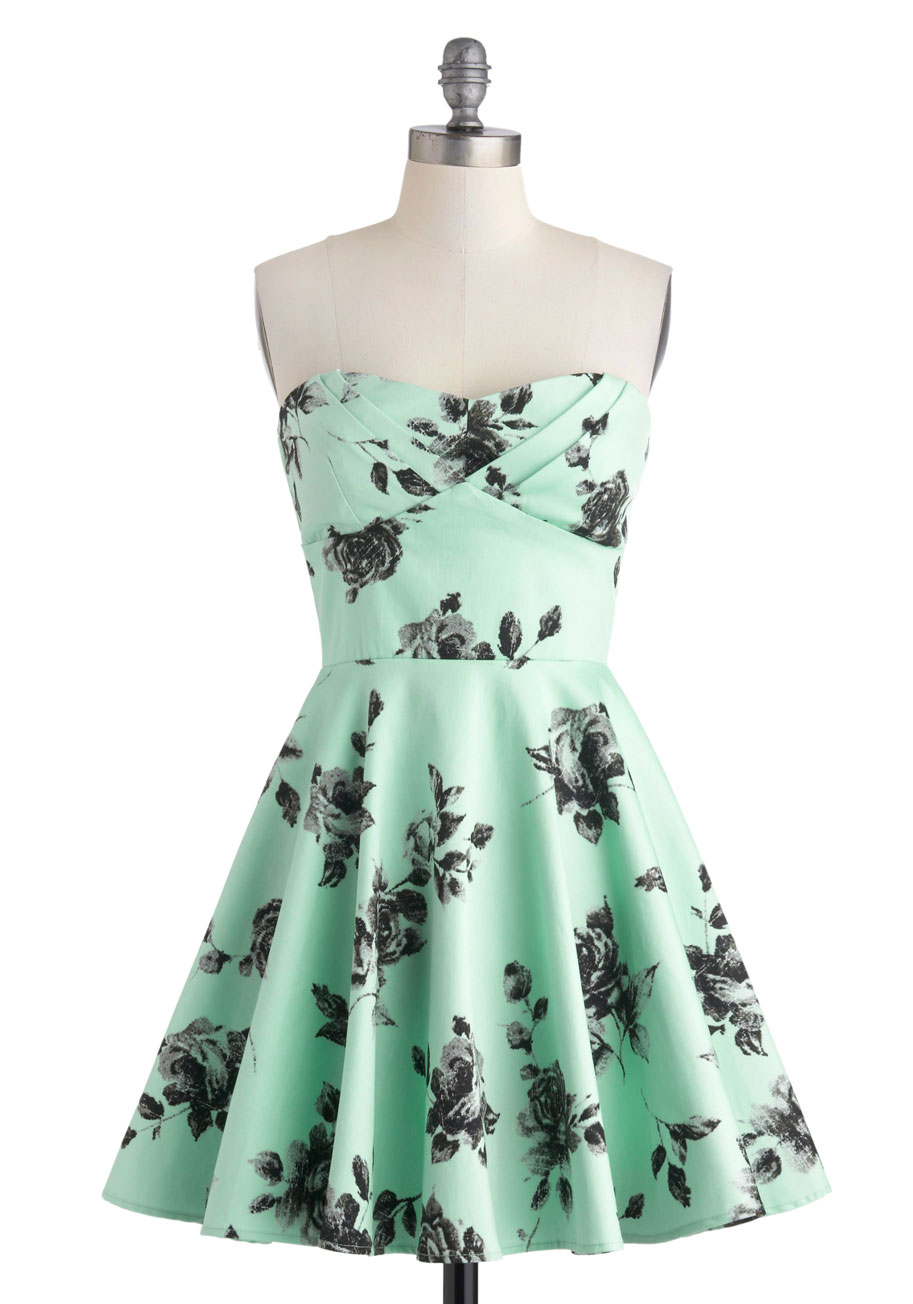 Modcloth Traveling Cupcake Truck Dress In Mint Roses In