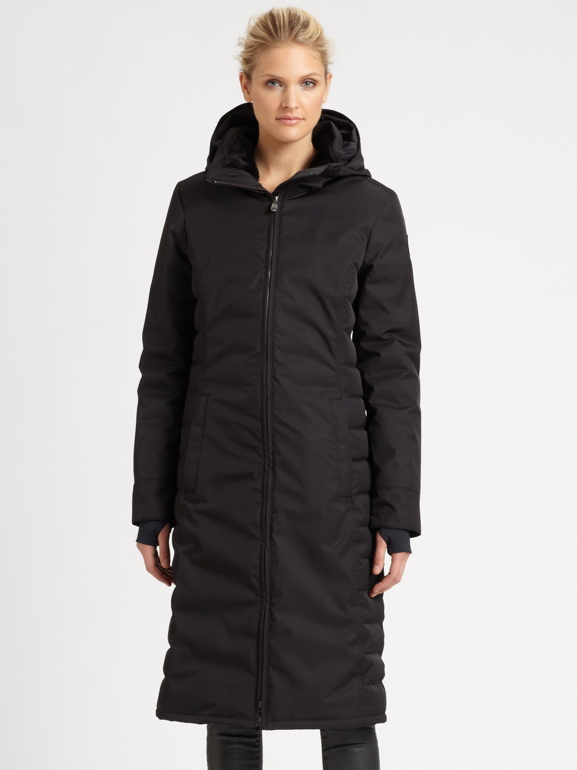 Look fantastic no matter what the weather! Discover a huge selection of women's outerwear at Hudson's Bay.