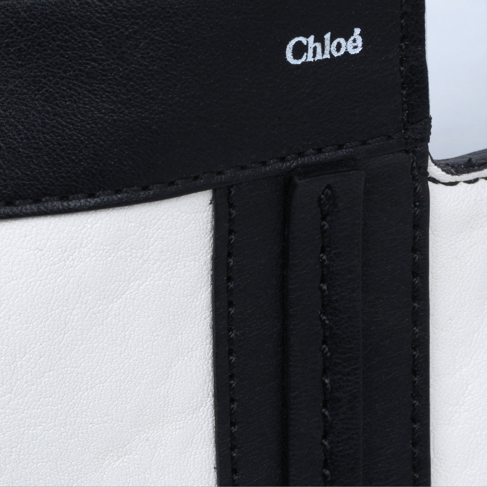 Chloé Alison East West Tote in White (Black)