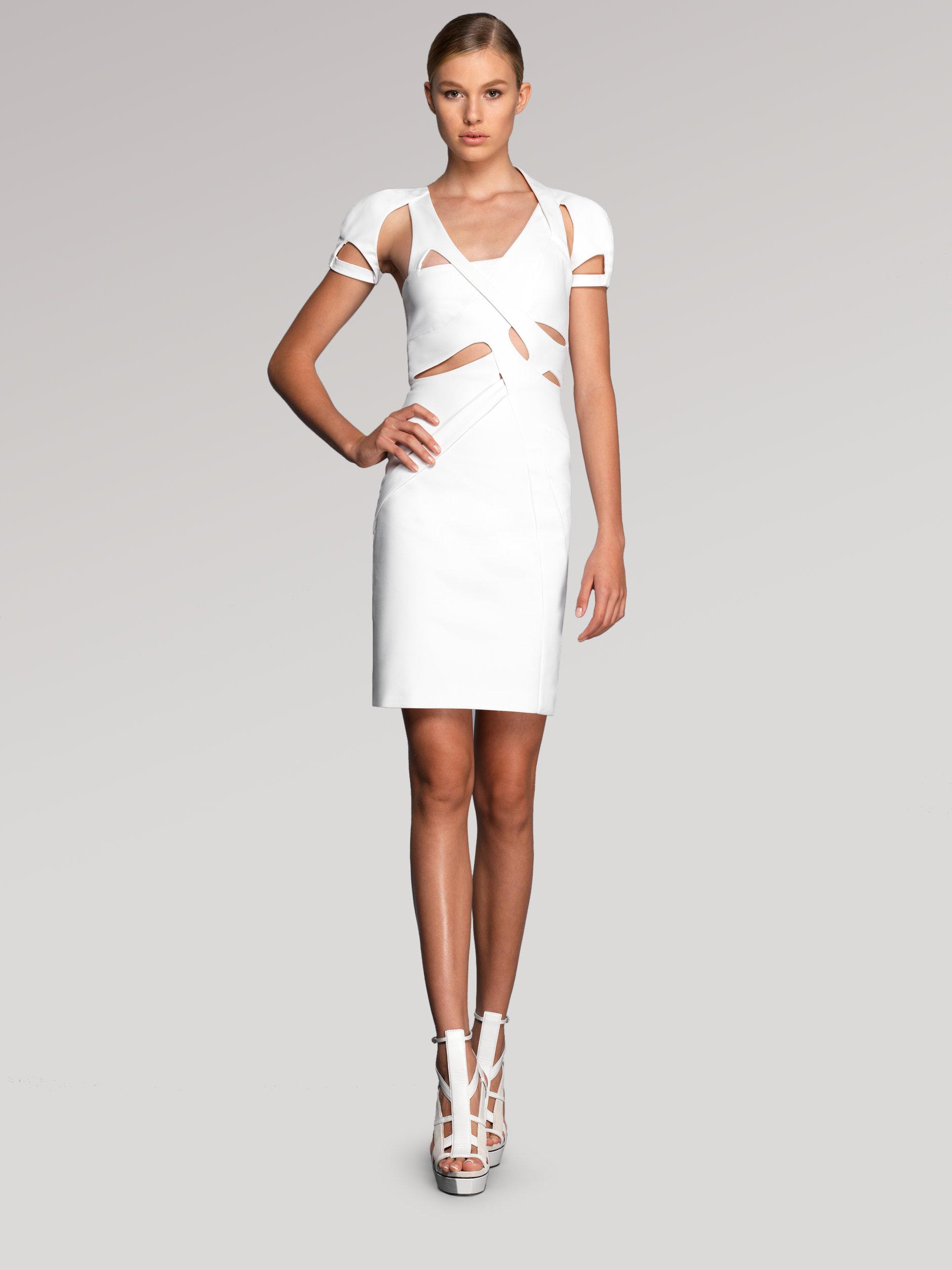 81127118a5c Gucci Cutout Dress in White - Lyst