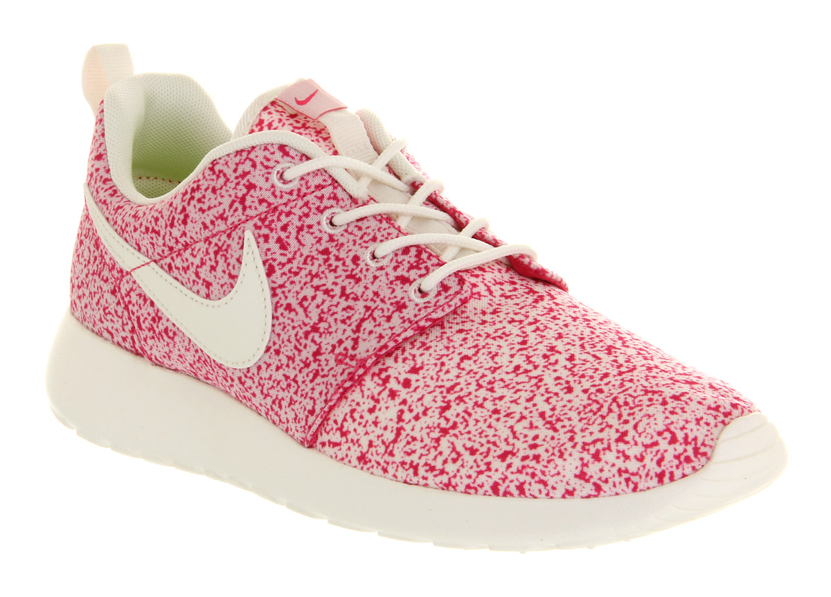 Nike Roshe Run Sail Pink Force in Pink | Lyst