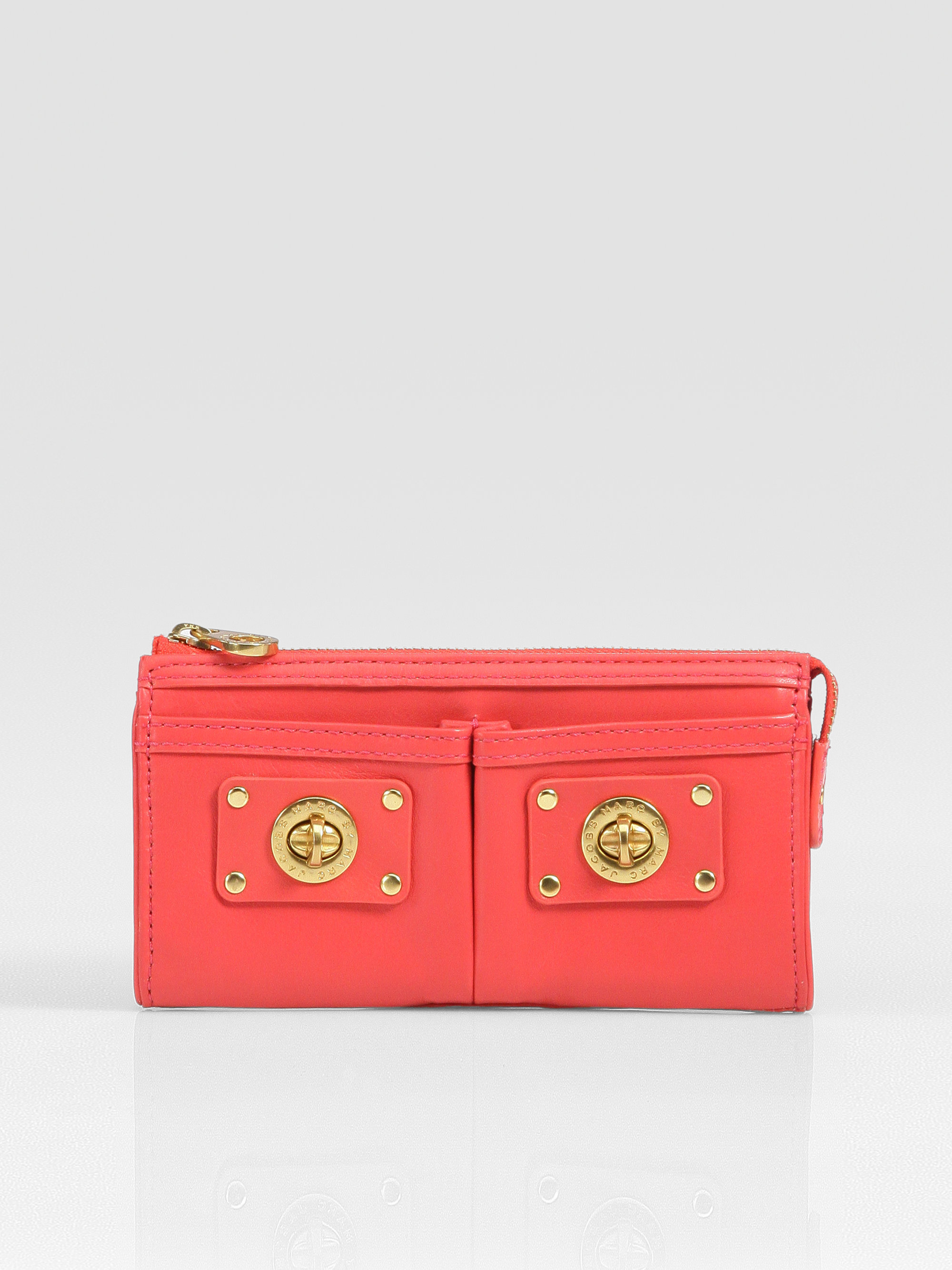 fcecec43680 Marc By Marc Jacobs Totally Turnlock Zip Wallet clutch in Pink - Lyst
