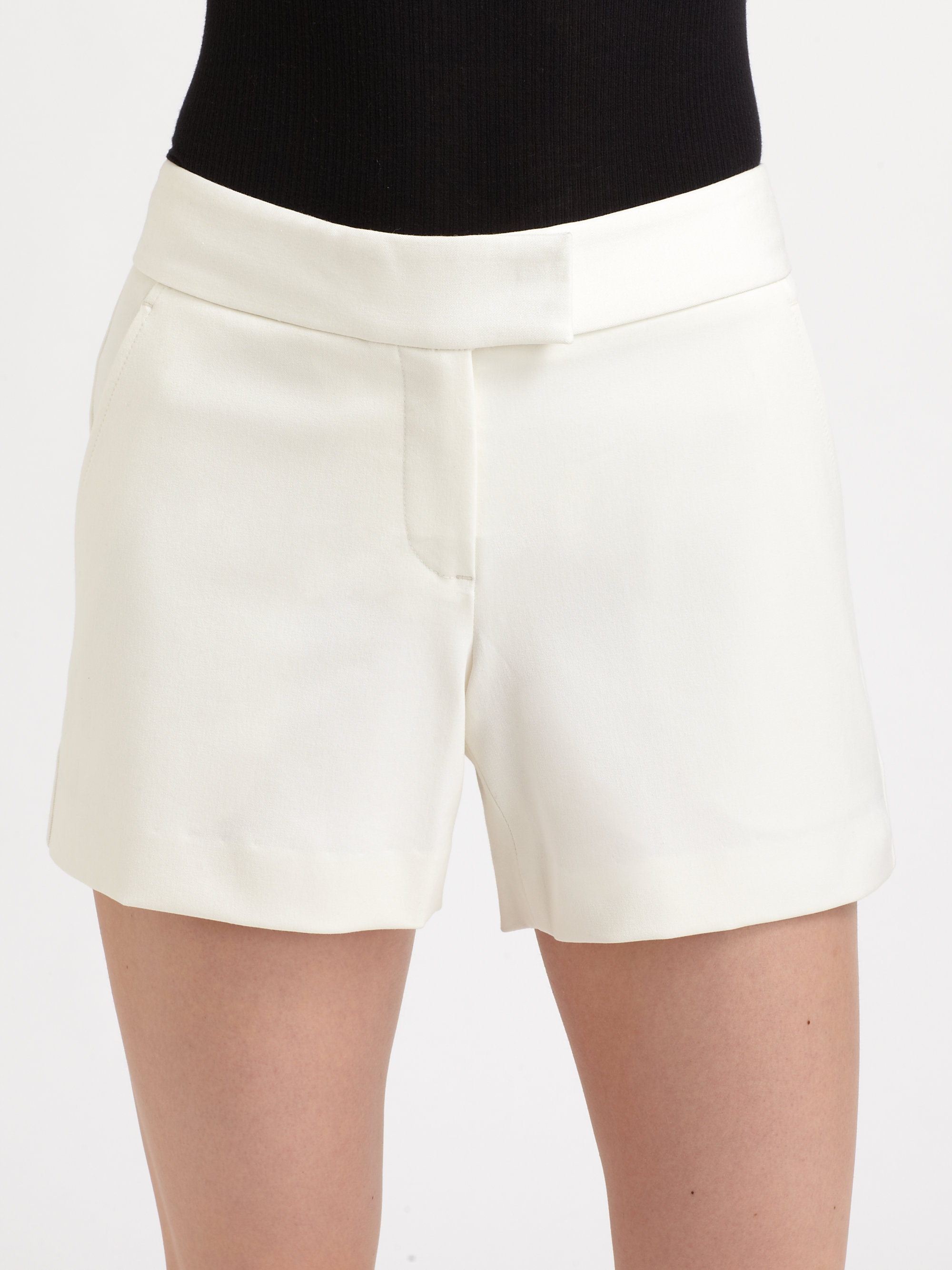 b8febc33644 Theory Lynie Stretch Shorts in White - Lyst
