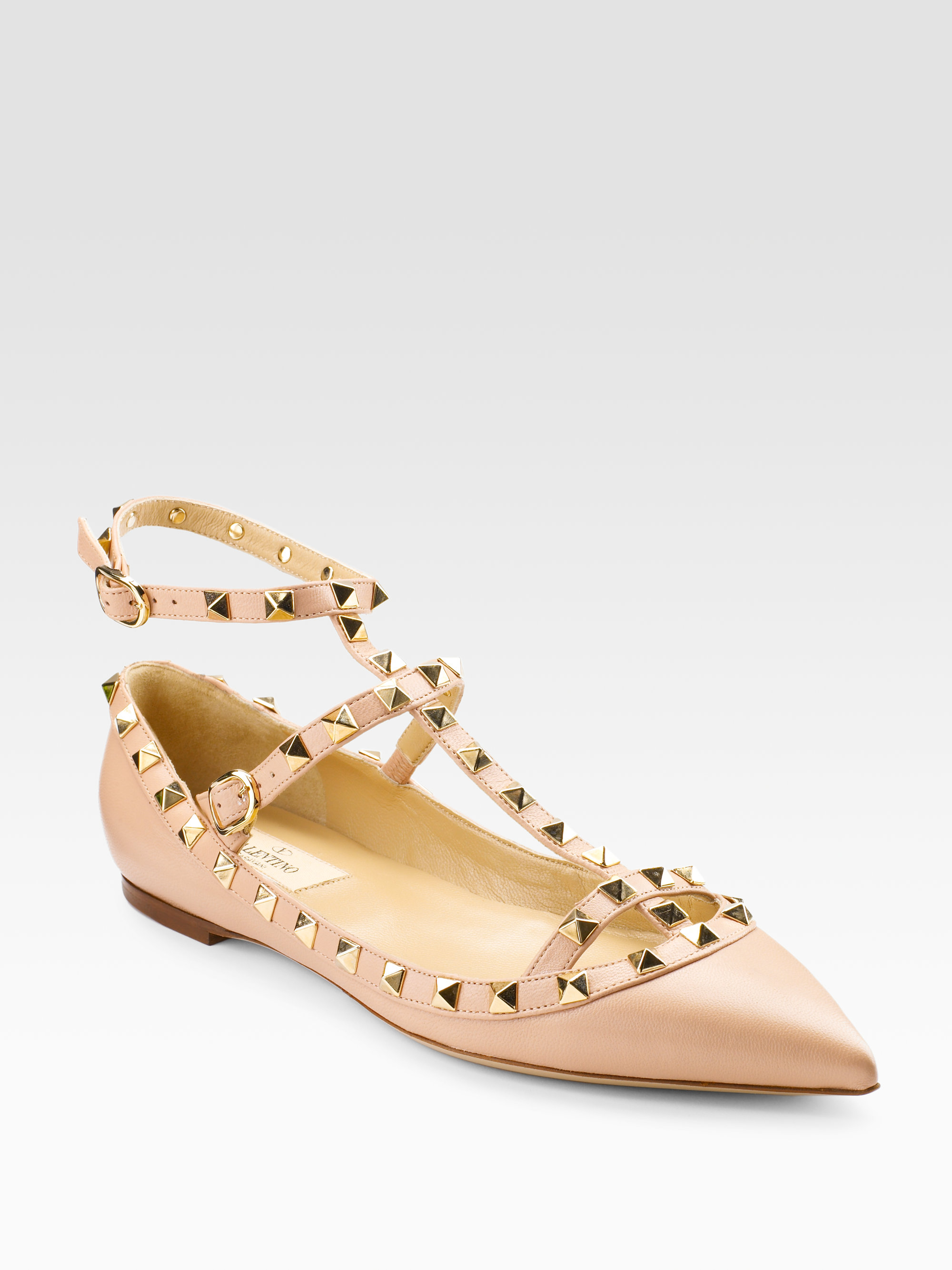c060fc5c3bb5 Lyst - Valentino Studded Flat Sandals in Pink