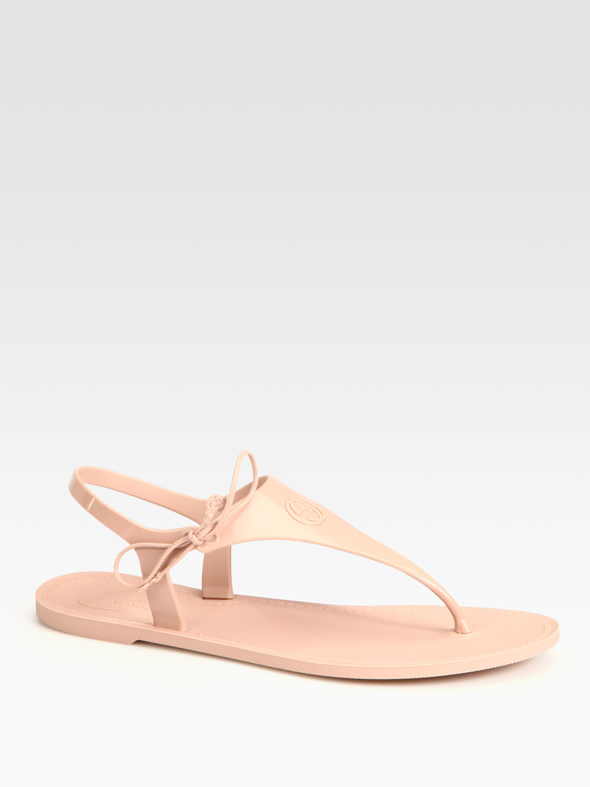 fdf44b6bc Gucci Katina Rubber Thong Sandals in Natural - Lyst