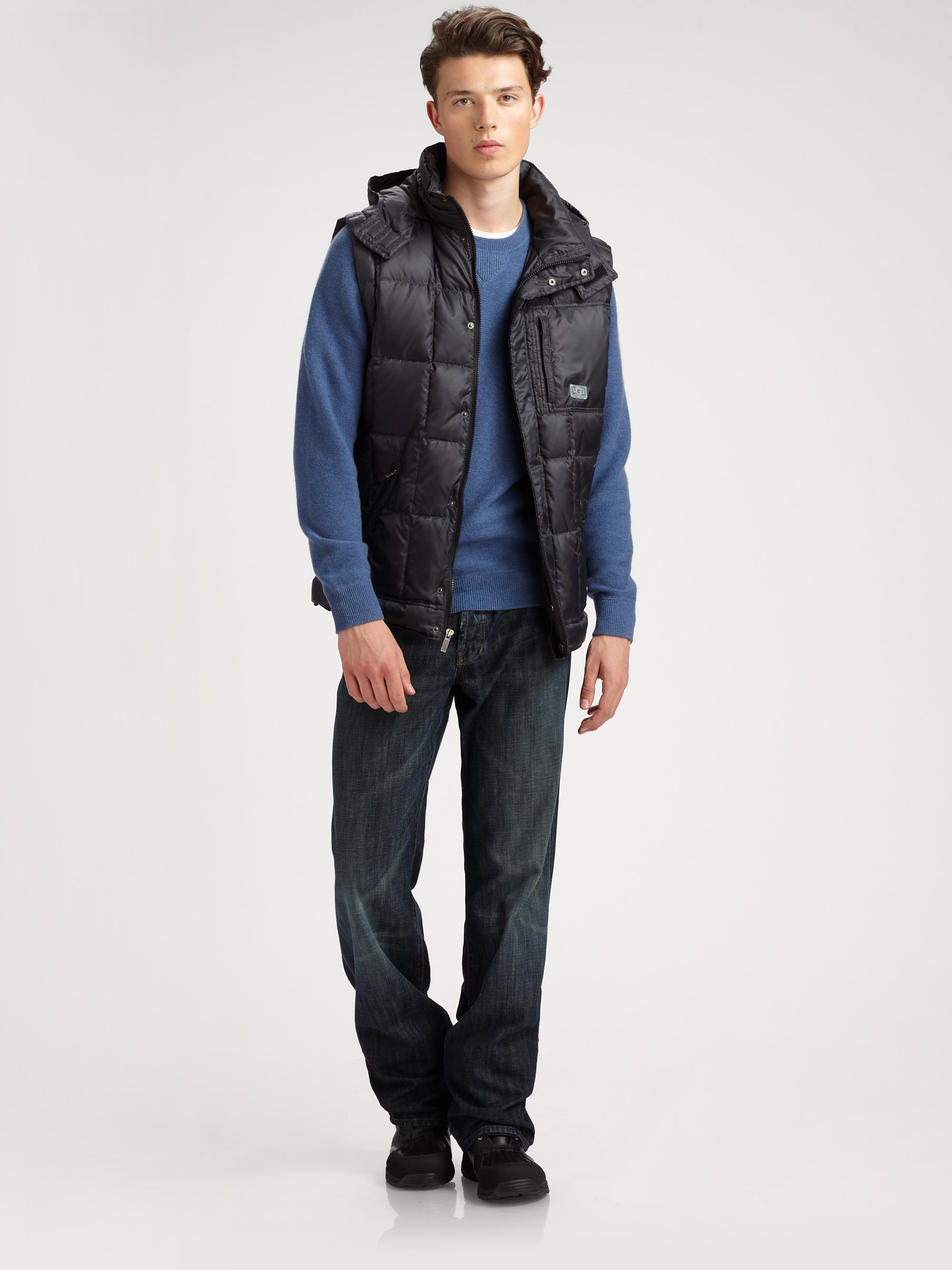 This puffer vest from The North Face uses their special ThermoBall insulation technology that is designed to keep you toasty warm even when the skies open up with snow and rain. The garment features an internal chest pocket, nylon ripstop fabric, and a lightweight and VISLON center zipper.
