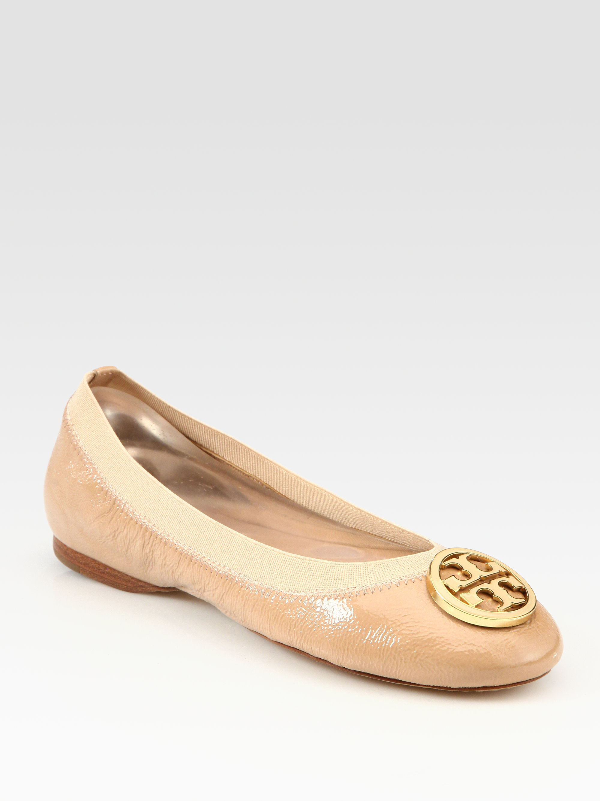 ebbe2778cb404 ... italy lyst tory burch caroline patent leather logo ballet flats in  natural 8145f 42b0d