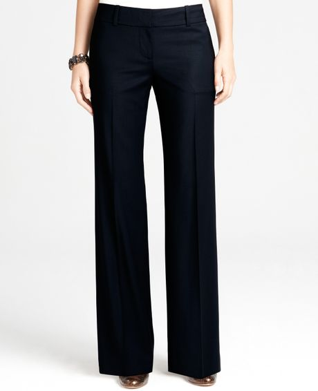 Shop Dillard's for the latest styles in women's petite capri and cropped pants.