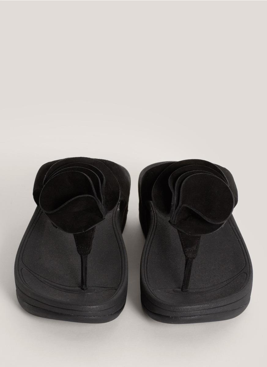 c5683262c4b8 Lyst - Fitflop Yoko Ruffle-rose Flip Flops in Black