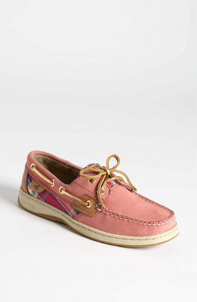 Add collegiate flair to your look with these women's Campus Cruzerz South Carolina Gamecocks boat shoes. In brown. SHOE FEATURES Team embroidery Plaid