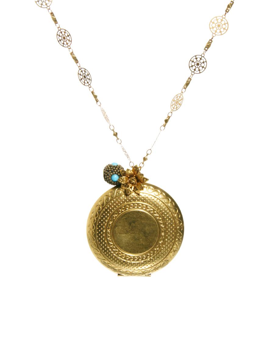 Sam Ubhi Locket Necklace On Filgree Chain In Metallic Lyst