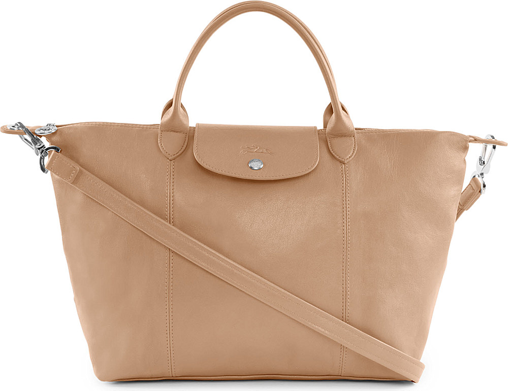f88c64bed7ba Longchamp Le Pliage Cuir Medium Hand Bag in Sand in Natural - Lyst