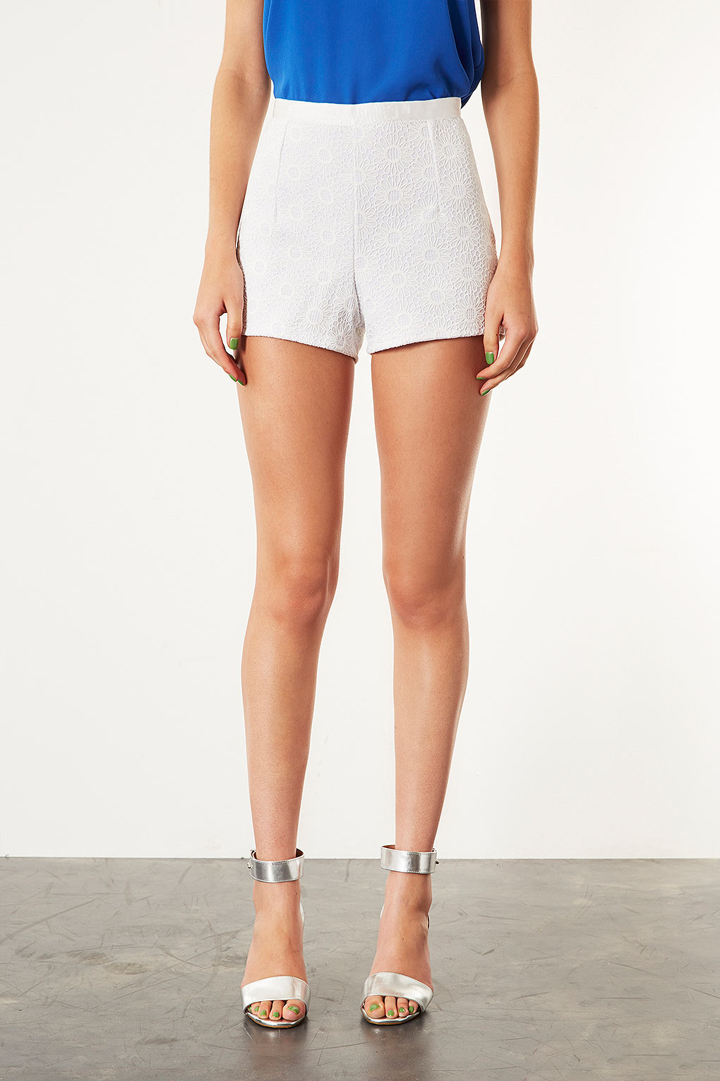 TOPSHOP Lace High Waisted Shorts in Natural - Lyst