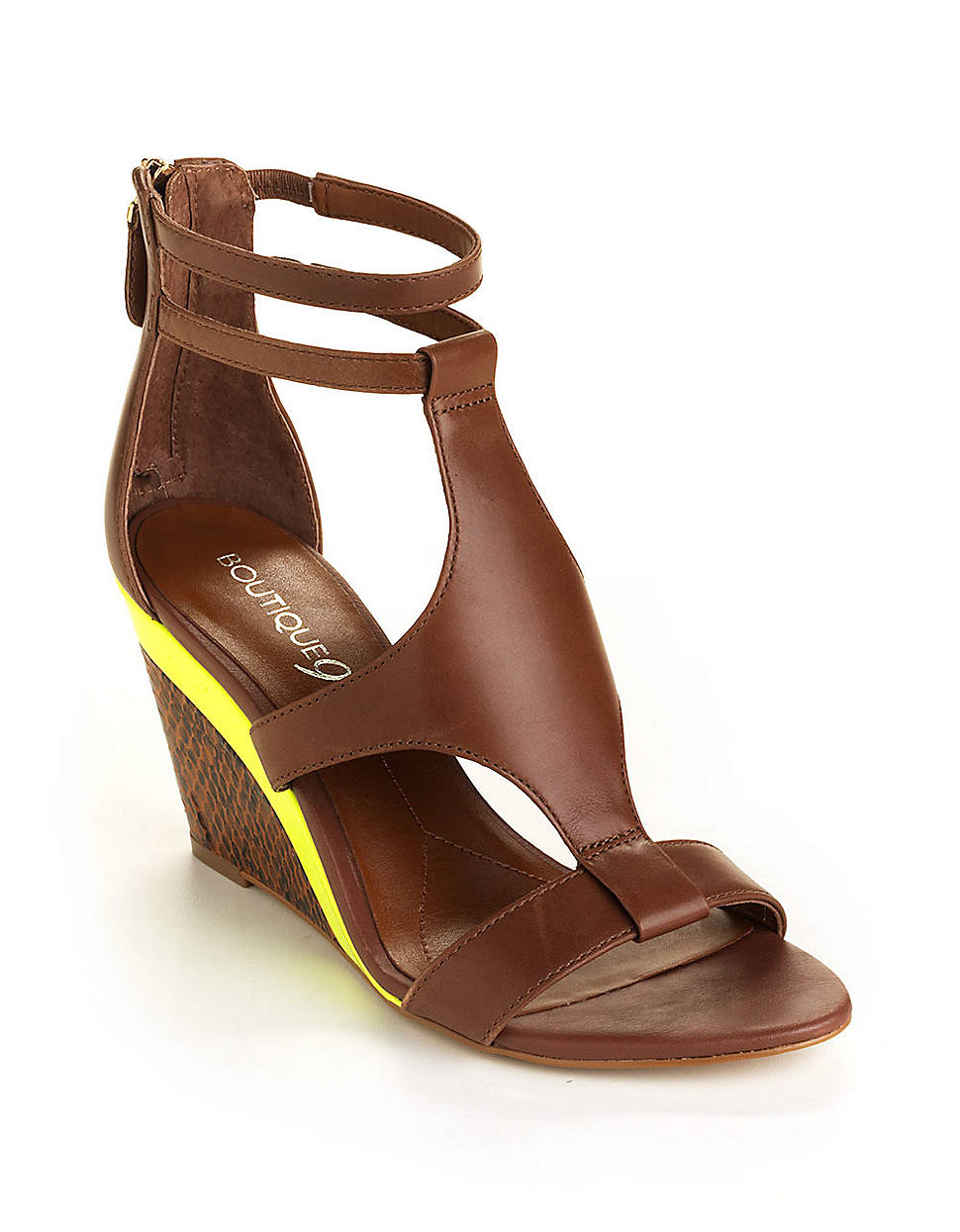 boutique 9 petruchio leather wedge sandals in brown